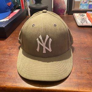 Aime Leon Dore Yankees hat